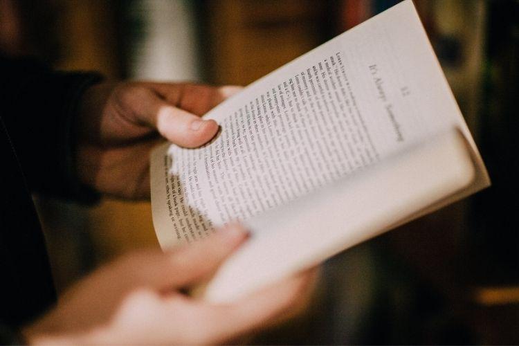 """Resumen de la novela """"Un mundo feliz"""" de Aldous Huxley"""